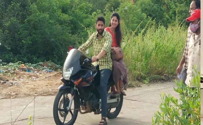 Love Story Movie Shooting At Bodakonda Waterfalls Near Manchala - Sakshi