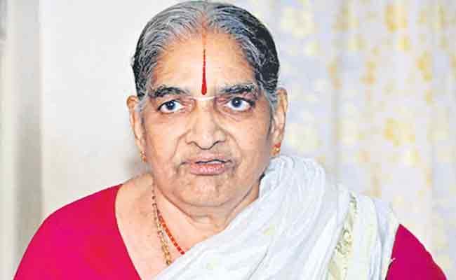 Chinna Jeeyar Swamy Mother Passed Away In Rangareddy - Sakshi