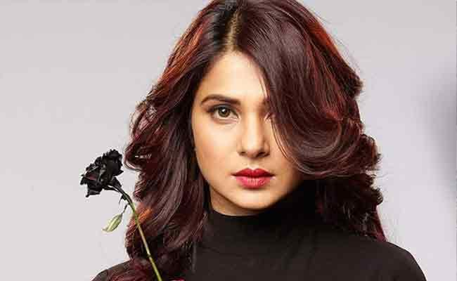 Actress Jennifer Winget Special Interview In Sakshi Funday