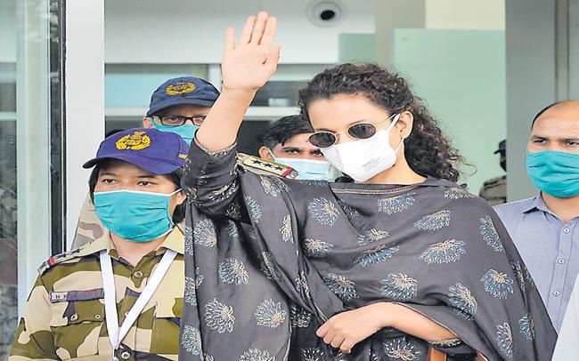 Kangana Ranaut big Exposed on Uddhav Thackeray son Aditya Thackeray  - Sakshi