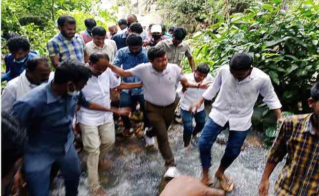 Minister Sidiri Appalaraju Adventure Visits To Srikakulam District - Sakshi