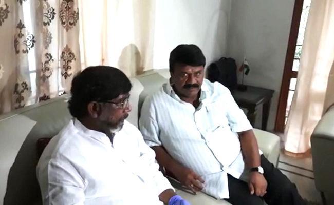 Minister Talasani Srinivas Went To Bhatti Vikramarka Home Accept Challenge - Sakshi