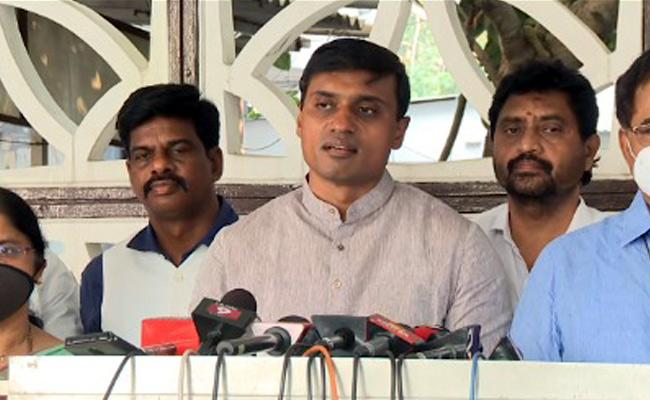 Mithun Reddy Comments Over Amaravati Corruption - Sakshi
