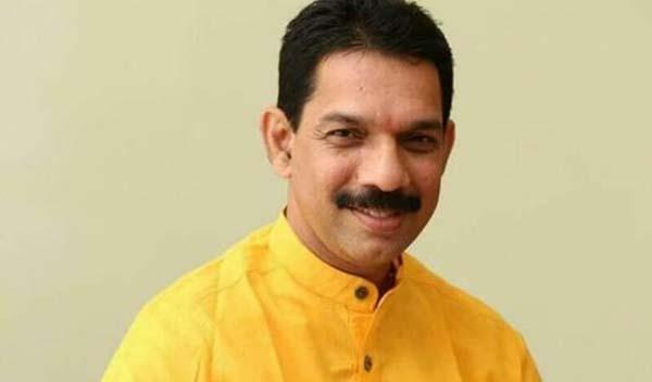 karnataka BJP Chief Demands Shut Down All Pubs In Karnataka - Sakshi