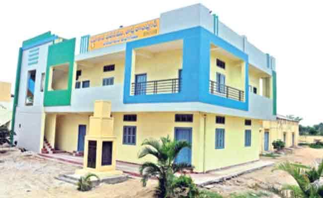 Agricultural Cooperative Societies Lack Of Loans In Nizamabad - Sakshi
