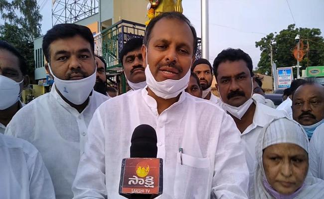 YSRCP Leader Srikanth Reddy Jakiya Khanam Demands Bharat Ratna To YSR - Sakshi