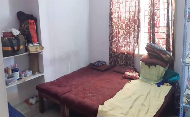 Coronavirus: Private Hostels And PGs In Crisis In Karimnagar - Sakshi