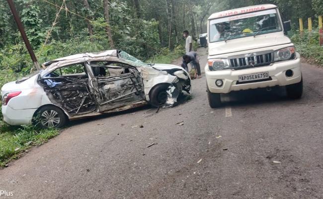 3 Assassinated In Road Accident In East Godavari - Sakshi
