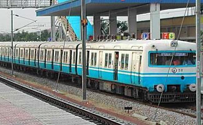 Hyderabad To Yadagiri Gutta MMTS Line Not Yet Completed - Sakshi