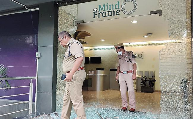 Attack On Tv Channel Office In Hyderabad - Sakshi