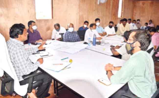 Siddipet Collector Review Mallanna Sagar Rehabilitation Colony - Sakshi