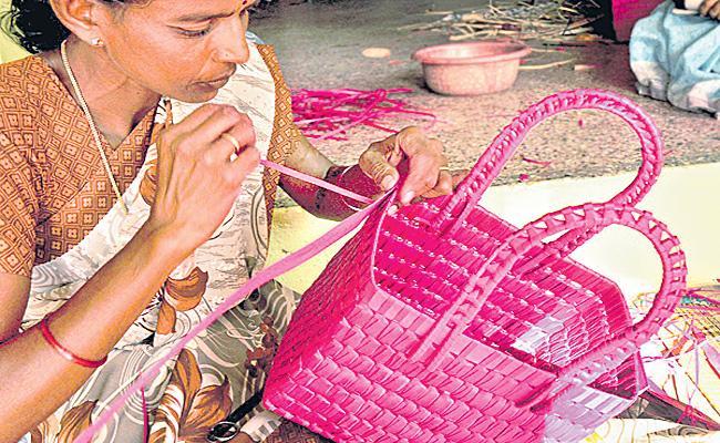Palm Leaf Cottage Industry In Andhra Pradesh - Sakshi