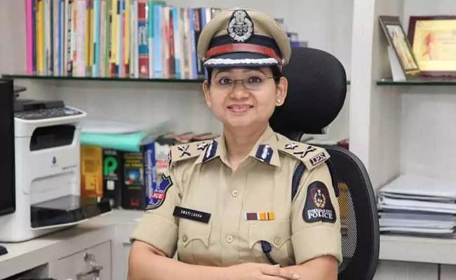Swati Lakra Request People Cautious Of Fake Facebook Account - Sakshi