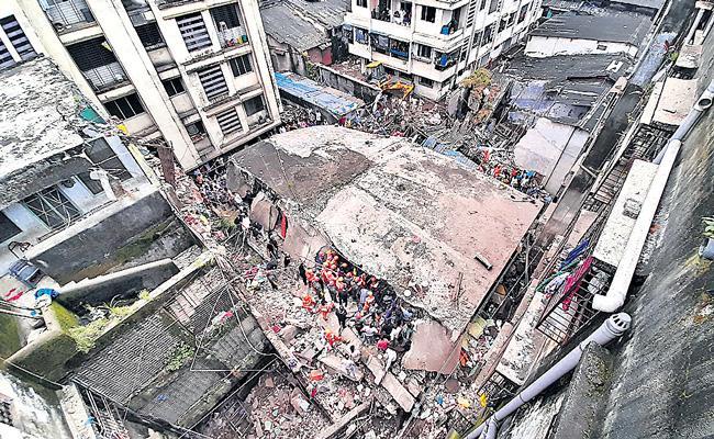 17 Dead In Building Collapse Bhiwandi Maharashtra - Sakshi