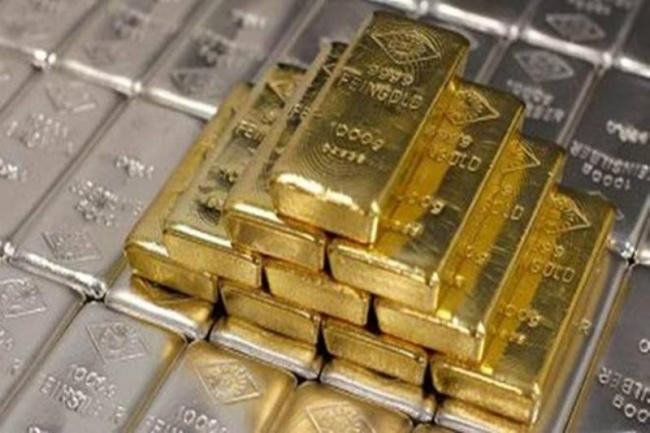Gold, Silver prices recovering from huge fall - Sakshi