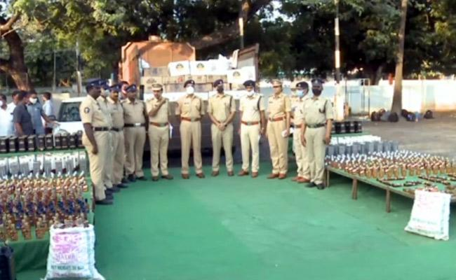 Illegal Liquor Seized And Police Have Arrested Four Accused - Sakshi