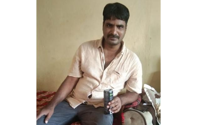 Lorry Owner Deceased In Visakhapatnam - Sakshi