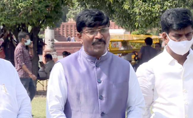 MP Talari Rangaiah Heaped The Allegations On Opposition  - Sakshi