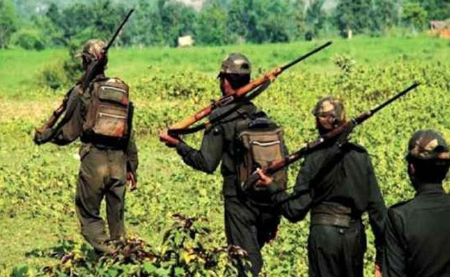 300 Maoists Try To Enter In Telangana - Sakshi