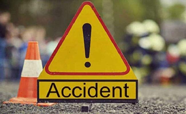 Seven killed Van Collides Head On With Trailer In Rajasthan - Sakshi